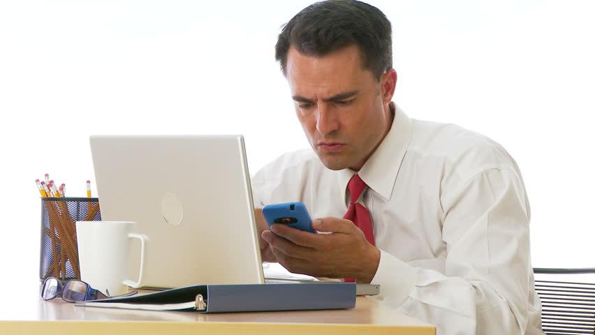 Как погасить долг на мобильном телефоне