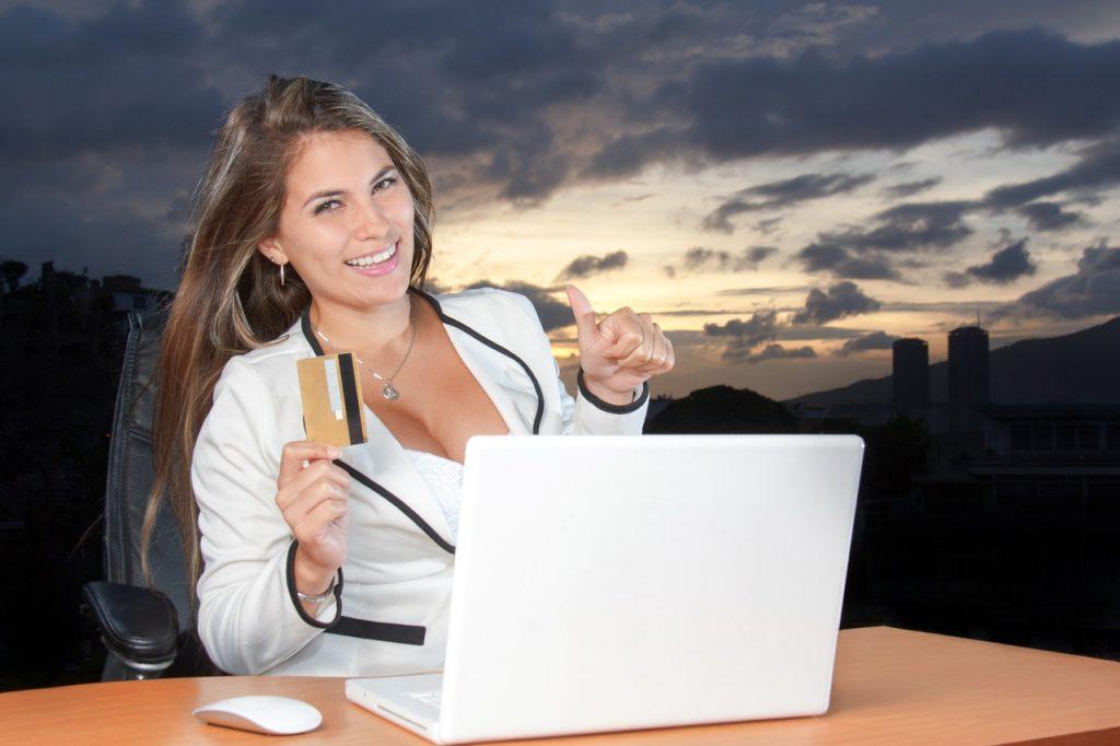 Преимущества онлайн займов на кредитную карту