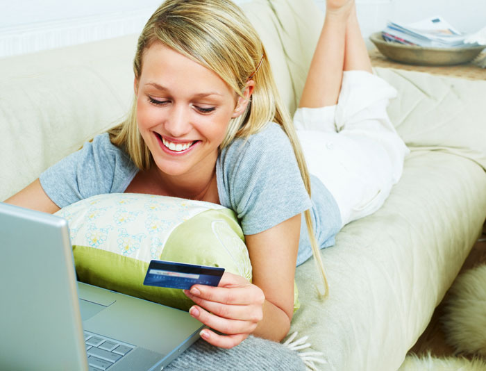 Займы на именную карту: преимущества
